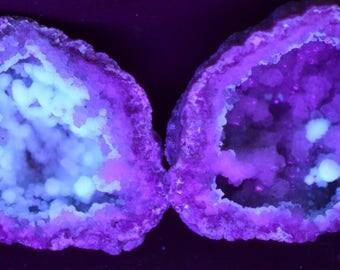 Complete Keokuk Quartz Geode with Fluorescent Calcite Ball Structures