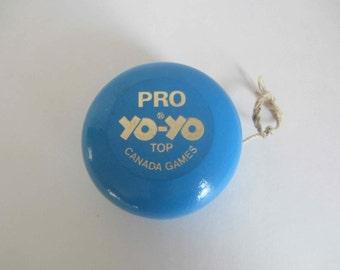 Vintage Pro Yo-Yo Top Canada Games, Vintage Yo-Yo from the 1980's, Vintage wooden toy