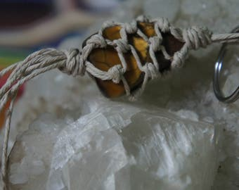 Macrame crystal tigers eye keyring