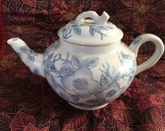 Blue on White Floral Teapot, Delicate Blue Flowers on White Porcelain Teapot, 3 Cup Teapot, Cobalt Blue, Light Blue on White, Teapot