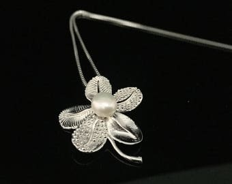 Pearl Flower Pendant // 925 Sterling Silver // Floral Setting // 16 Inch Chain Included