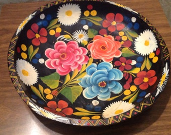 Tole painted wood bowl, hand painted flowers on wood bowl, vintage decorative wood bowl with flowers, black bowl with flowers