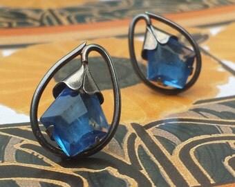 Art Nouveau Vintage Blue Stone Flower Sterling Silver Screw Back Earrings