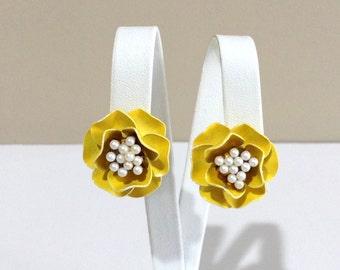 MARVELLA Flower Clip On Earrings / Yellow Enamel with Faux Pearl Earrings / Mid Century Flower Earrings