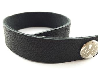 Leather wrist bracelet HAMMAKER