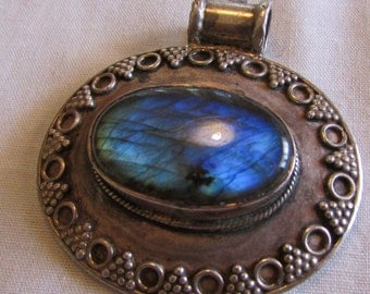Sterling Silver and Labradorite Pendant