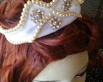 Vintage 1950 Bridal Tiara with Cream Pearls and Rhinestones .