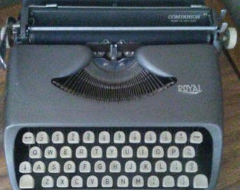 Vintage royal companion typewriter  with case made in holland works