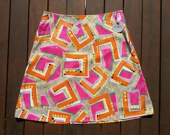 Size 10 Geometric Orange and Pink