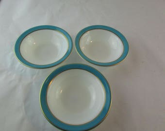 """Set Of 3 Vintage Pyrex Turquoise W/ Gold Bands 5 1/2"""" Bowls - Made In USA"""