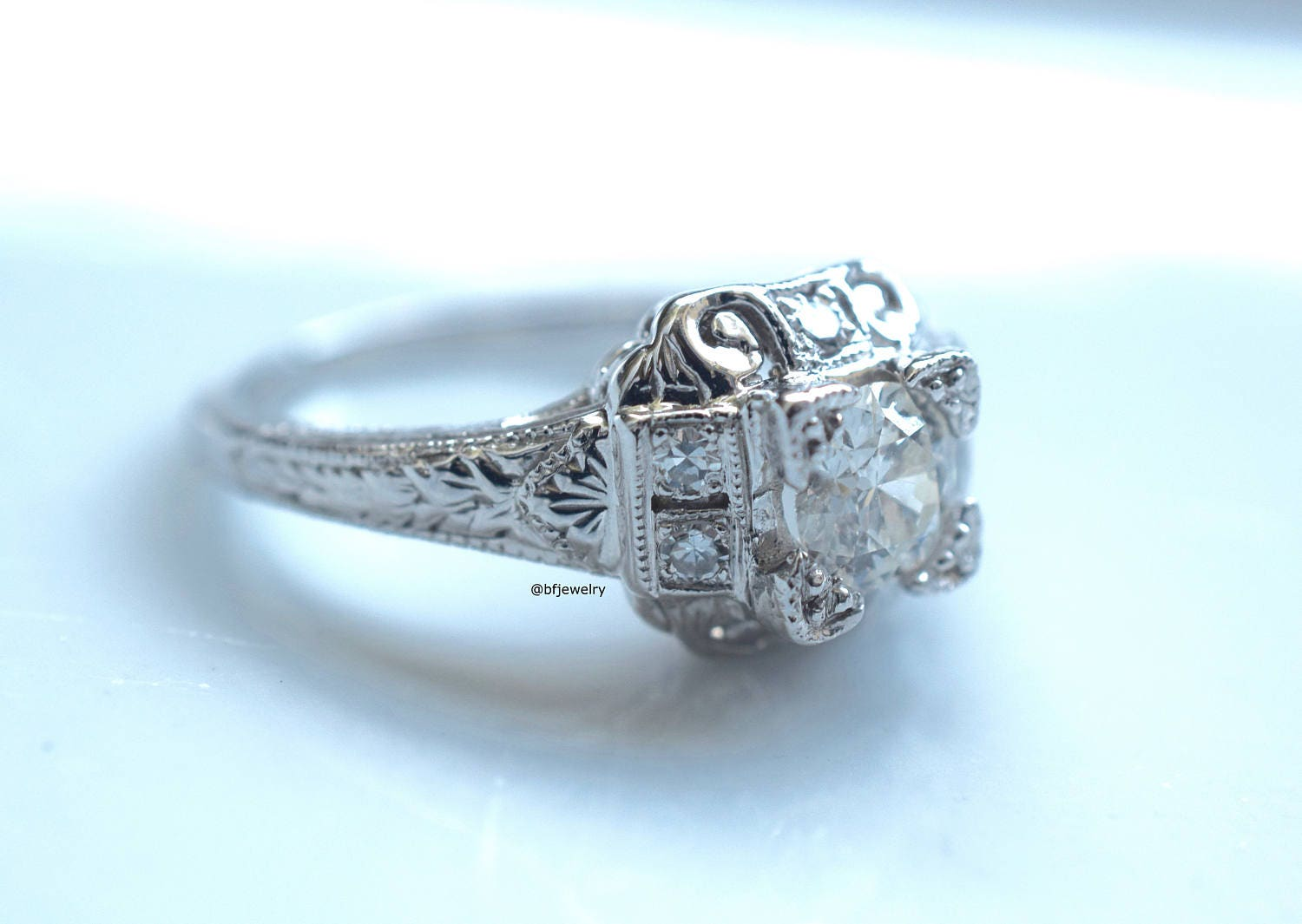 Vintage style fashion rings 60