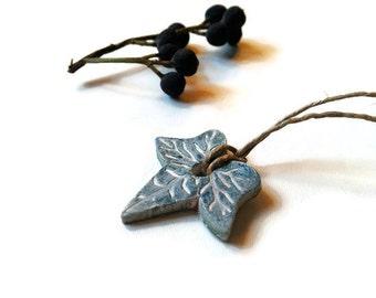 Ivy leaf necklace, Green ivy leaf, Ivy pendant, Clay leaf pendant, Clay ivy leaf, Green ivy necklace, Twine string, Mori girl pendant