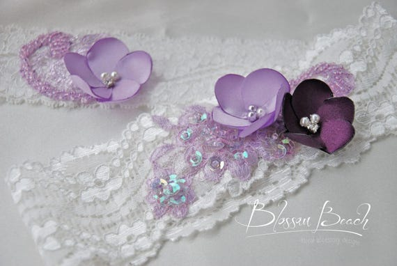 off-white and lavender bridal garter set;stretch lace garter with flowers;purple and white lace garter set