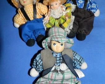 dolls 4 old little dolls for DECORATION. french vintage
