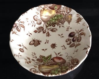 Autumn Delights by Johnson Bros Scalloped Fruit Dish
