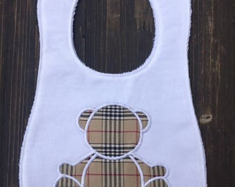 Bib with bear, embroidery designs