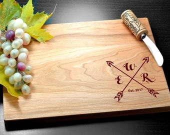 Personalized Cutting Board Wedding Gift, Monogram Board, Custom, Engagement Gift, Anniversary Gift, Engraved Bamboo Board, Housewarming gift