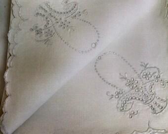 12 mid century embroidered  basket napkins