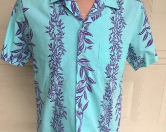 Vintage Men's Turquoise & Purple Hawaiian Shirt by Aliiolani Casuals Medium