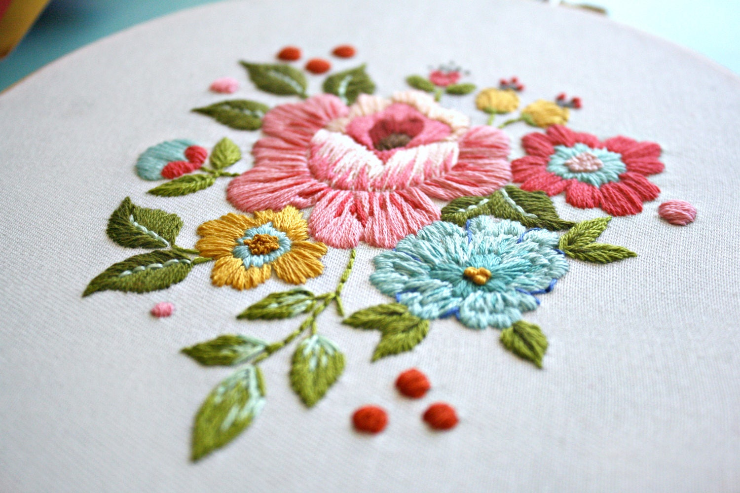 Floral embroidery pattern vintage inspired kit