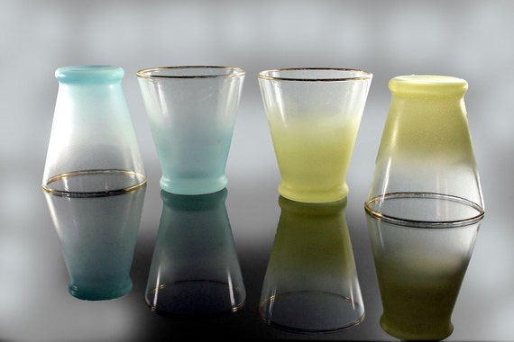 Shot Glasses, Blendo, West Virginia Glass Specialty, Set of 4, Cocktail Glasses, Juice Glasses, Yellow & Green Pastel, Frosted Glassware