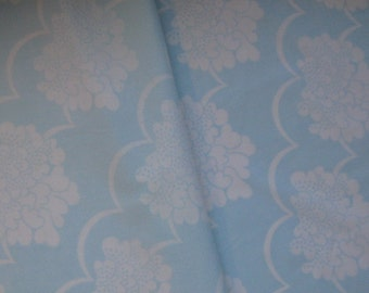 Vintage Sheet Fat Quarter, Vintage Bed Linen, Soft Blue Fabric, Floral Fabric, Baby Blue Fabric, 60s Fabric, Bold Flowers, Vintage Bed Sheet
