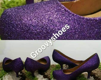 Glitter ladies heels. Simple glitter womens shoes.