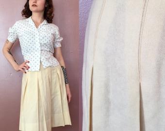 Xs 1970s pale yellow wool pleated skirt/70s skirt