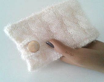 Mobile cell smartphone mobile phone cover case pouch storage white/ecru knit cables handmade, woman gift idea.
