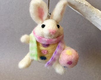 Needle felted rabbit, felted rabbit, wool felt animal, felted bunny, felted animal, needle felted animal, Easter bunny, Easter decoration
