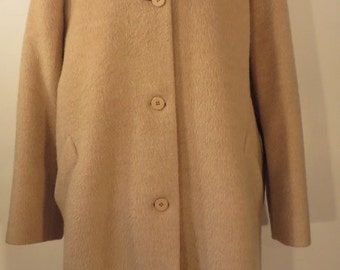 Vintage 1960s great wool / mohair mix camel coloured coat. Fully lined, immaculate. UK size 22, US 20, EU 50.