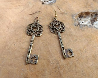 Vintage Key Earrings - Heart - Skeleton Key -  Steam Punk