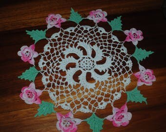 Hand Crocheted Doily with Flowers, Vintage Cotton Crocheted Doily, Delicate Crocheted Floral Lace Doily