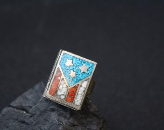 Fourth of July / Unique Sterling Silver Crushed Turquoise Chip Inlay American Flag Vintage Ring / Independence Day
