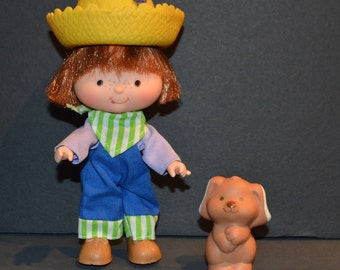 Vintage 1980's Huckleberry Pie Doll with Pupcake from the Strawberry Shortcake Collection