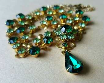 Vintage 1950s Emerald Green Teardrop Sparkly Flower Floral Leaf Diamante Rhinestone Crystal Gold Tone Necklace Chain