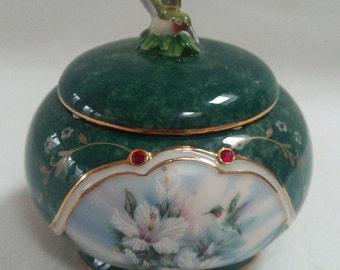 Lena Liu's Jeweled Hummingbird Music Box 1999 Red Rhinestones B3143
