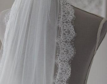 Wedding veil Chapel // Chapel length veil // Wedding veil lace trim // Ivory Veil Wedding // Lace veil // Veil Wedding