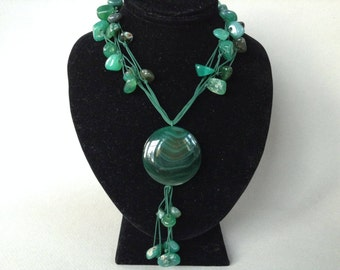Malachite and Agate Pendant Necklace
