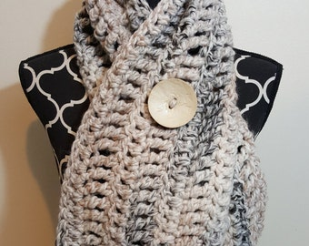 Super Chunky Cowl with Giant Button