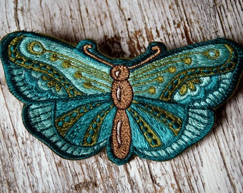 Butterfly Patch, Handmade Embroidery for Kids, small Butterfly Stitchery, Schmetterling Aufnäher für Mädchen, HANDMADE WITH LOVE, 12 x 6,5cm