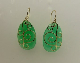 Green 16.2 mm x 25.0 mm Jade Dangle Earring 14k Yellow Gold