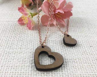 Mother Daughter Heart Necklace Set - Mother Daughter Jewelry - I carry your heart with me - Wood Heart Necklace - Gift for Daughter