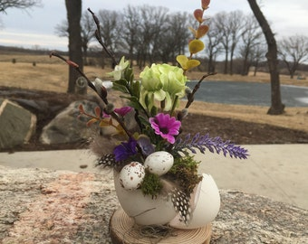 Easter egg, easter decorations, real egg