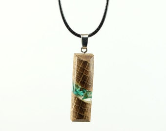 handmade necklace in oak unique piece with inclusion of Turquoise