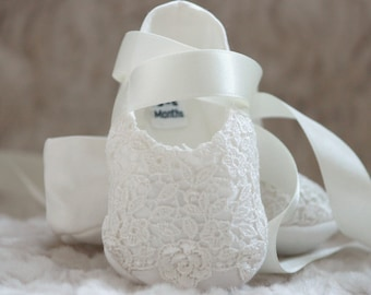 Christening Booties - Olivia Baptism booties - Christening Shoes - Baptism shoes - Baby shoes - Girls Christening Shoes - Girls baby booties
