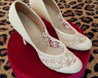 Clean, Vintage, NOS 1940's, 1950's, LAPATTI, Ivory, Embroidered, Cutwork, Fabric, Linen, Shoes,  Pumps, NOS, Size 7