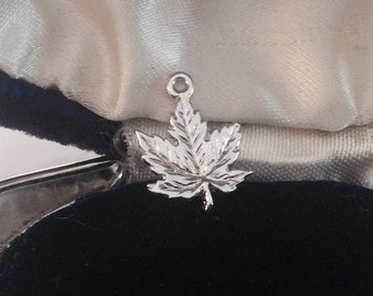 Canada maple leaf sterling silver vintage charm # 410