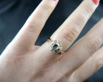 Platinum and pink gold ring adorned with diamonds - nineteenth century / / / Antique rose gold and platinium cluster ring with rose cut diamonds - 19th
