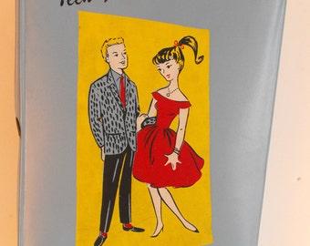 Vtg Teen Fashion Doll Case Vinyl for Barbie Size Dolls Blue   (864)